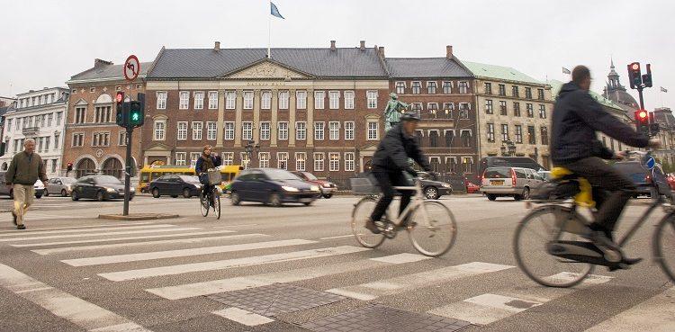 Danske-Bank-in-society-High-Res