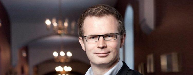 4.2 Socialdemokraternes finansordfører, Benny Engelbrecht, har valgt et uheldigt tidspunkt at angribe innovationsminister Sofie Løhde.