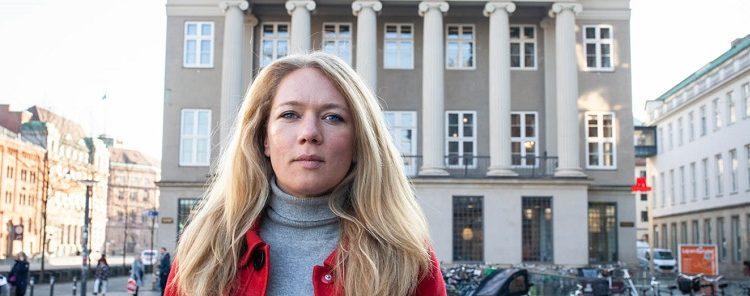 3.2 Lisbeth Beck Nielsen (SF) vil have kammeradvokataftlen på finansloven for 2021, uagtet at Konkurrencerådets længe ventede rapport endnu ikke er offentliggjort.